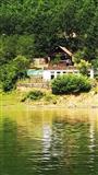Shitet villa te liqeni i Batllaves