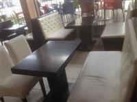 Inventar , tavolina , karrika