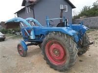 traktori me lug me dy korpa dhe me kos fabrikisht.