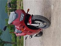 Orgjent Shes motorrin suzuki 900 cc