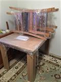 tavolinë dhe karrige