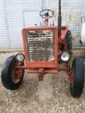 Traktori shitet