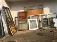 Dyer dhe dritare te Alominit