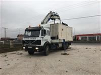 Kamion kran i fort ��