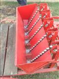 Makinë për mbjelljen e qepëve