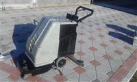 Makin për pastrimin e pllakave