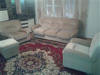 Treulesja/fotelet dhe tabureja