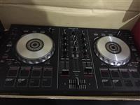 Kontroller DJ Pioneer DDJ-SB2
