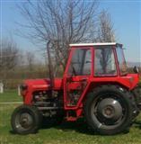 traktor me te gjitha mjetet e punes komplet