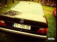 Mercedes 300 dhe Pasat 2