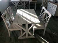 Karrika dhe tavolina