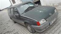 Opel kadett 1.6 benzin