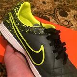 Nike Tiempo Legacy Turf Sz39-40