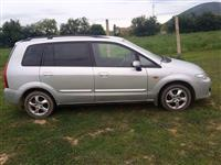 Shes veturen Mazda Premacy vp.2004