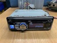 Shitet kasetofoni i cili është i tipit JVC .KD-R6