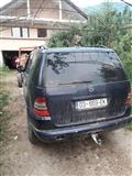Shes xhipin Mercedes ML320