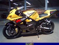 Blejm Motocikleta sport me defekte te aksidentuara