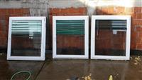 3 dritare te pllastikes