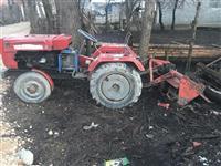 Shitet traktori kinez