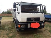 Kamion me kran