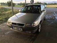 Shitet Opel Astra 98