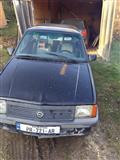 Shitet Opel Corsa benzin 1.3 -88 1 vit rexhistrim