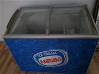 Shitet Frizi per akullore URGJENT