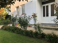 Shtëpia me 5 ari truall në Fushë-Kosovë