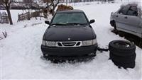 Shes veturën SAAB për pjesë