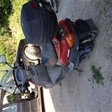 Shes motorrin Yamaha 125cc ne gjendje perfekte