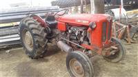 Traktorr 558