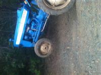 Traktor Ford-san 3000