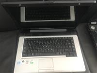 Shiten laptop-at Acer dhe toshiba