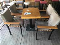 Karrika tavolina per terase lokal