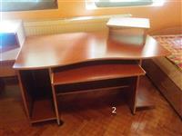 Tavoline per kompjuter