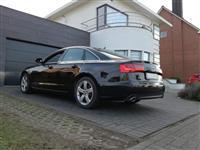 a Audi a6, 3.0 v6 205 ps!