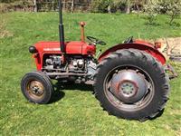Shitet traktori ne gjendje perfekte