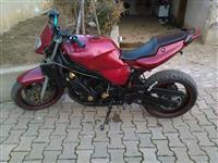 Yamaha fzr 750