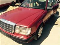 Shes mercedez benz 250D