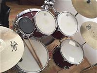 tupana /bubnje me mikrofona