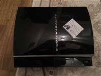 Playstation 3, 2 joysticka 500 gb ( me qip)