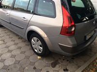 Shitet Renault Megan 1.9 Dizel viti 2004