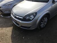 Opel Astra osht ne gjendje shum te mir
