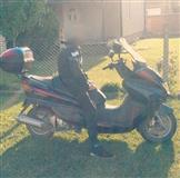 Skuter 250 cc