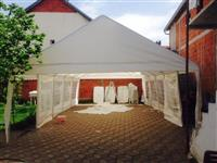 Tenda dhe karrike me qera