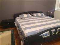 Shitet dhoma e fjetjes 300 euro.