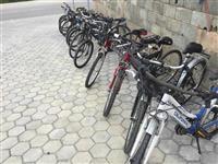 Bicikleta dhe mjete te ndryshme