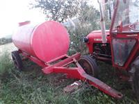 Shes cisternen 3 mijë litra,