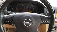 Shitet vetura Opel Vectra 2.2