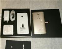 ZTE AXON 7, dual Sim, 64Gb, 4Gb Ram, 5.5 Inch UHD